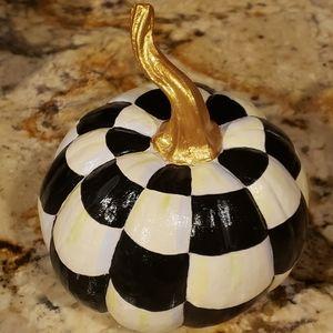 Checkered pumpkin